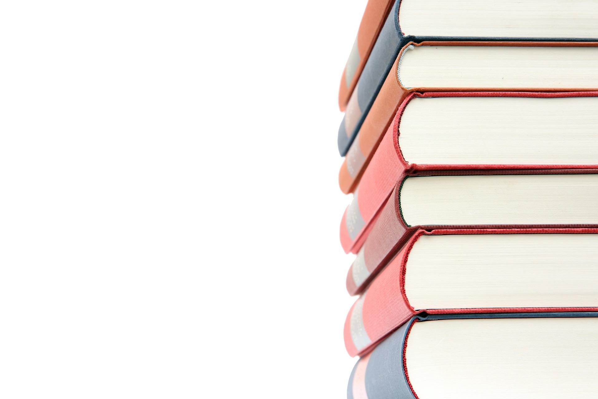 Čtení na léto: Knihy, které nedáte z ruky